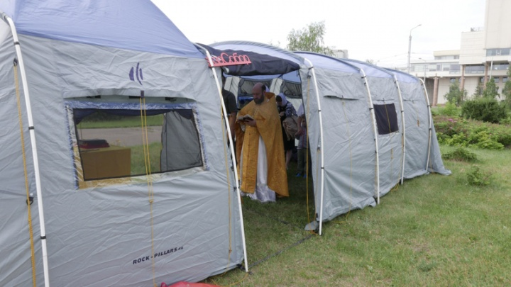 Палатку для молитв на Стрелке решили ставить каждую неделю
