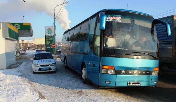 Автобус с неисправными тормозами сняли с линии на трассе