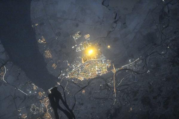 Свечение теплиц «Ботаники» видно даже из космоса