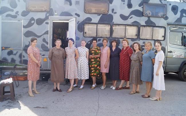Ретроавто и платья из 30-х. В Кунгуре сняли часть фильма «Два берега»