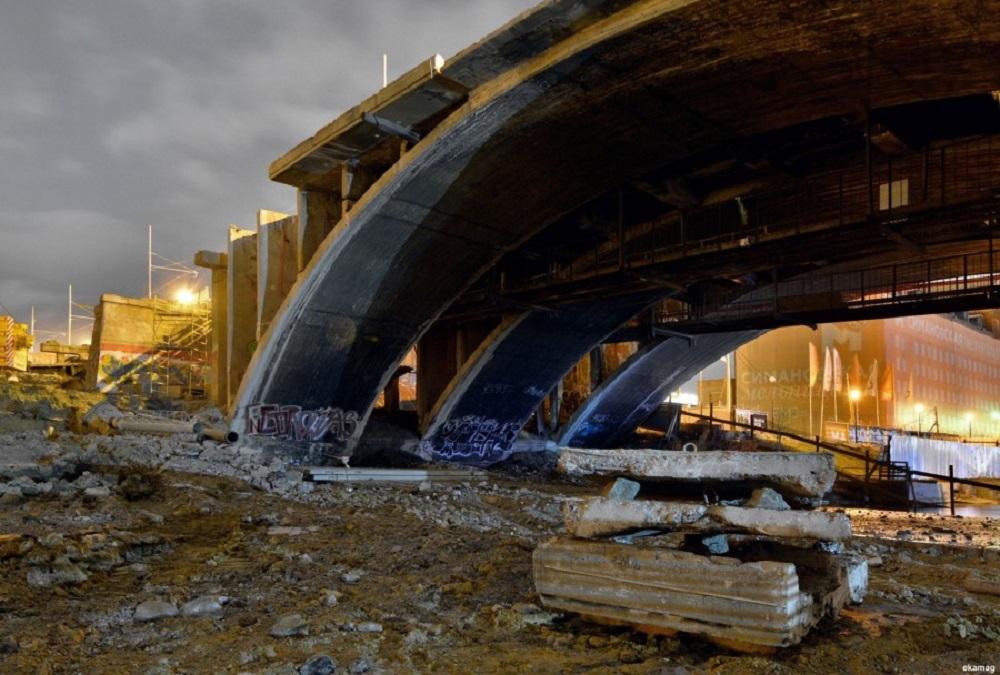 Разобрали арку Макаровского моста