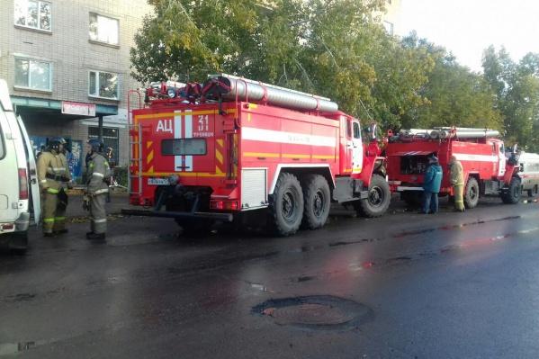 Пожар в квартире вспыхнул утром в понедельник, когда мальчик был один дома