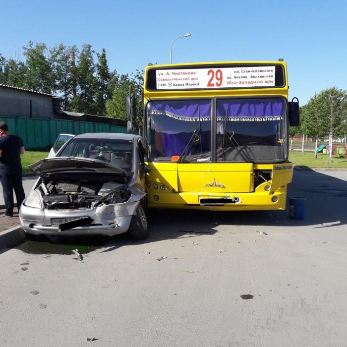 Авария случилась около 9:00 1 июня