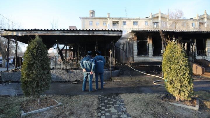 «Боимся, что угорим постоянно»: волгоградцы пожаловались на сгоревшее кафе Saperavi