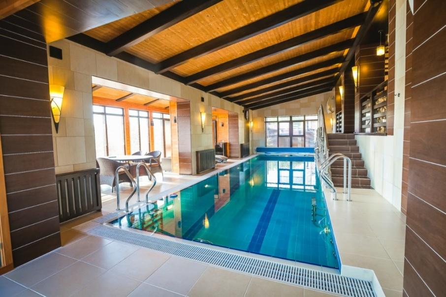За дом с бассейном в посёлке Кременкуль владелец просит 110 миллионов рублей