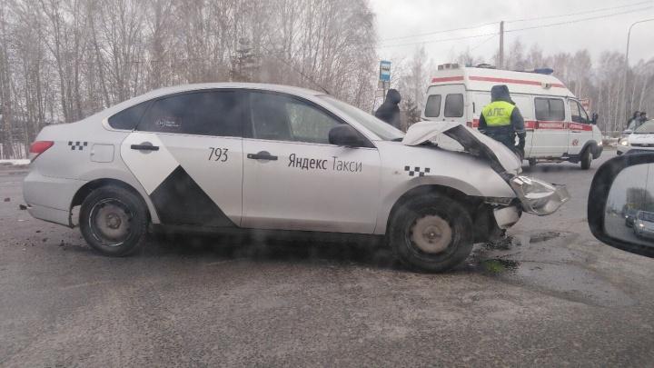 Нелегальный водитель «Яндекс.Такси» устроил ДТП на Ялуторовском тракте
