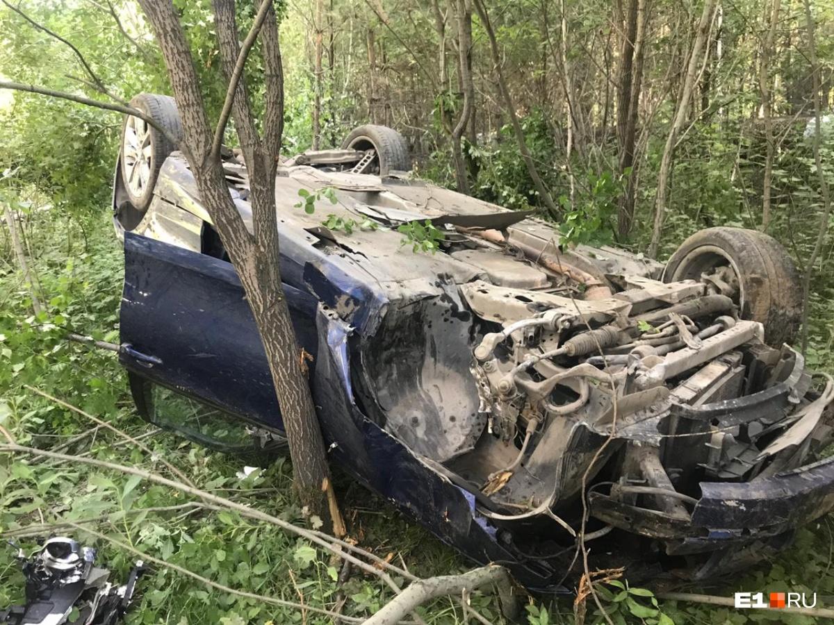 Девушка, сидевшая за рулем, чудом осталась жива