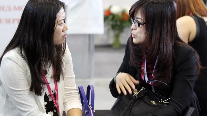 Клиники Екатеринбурга теряют китайских пациентов из-за коронавируса