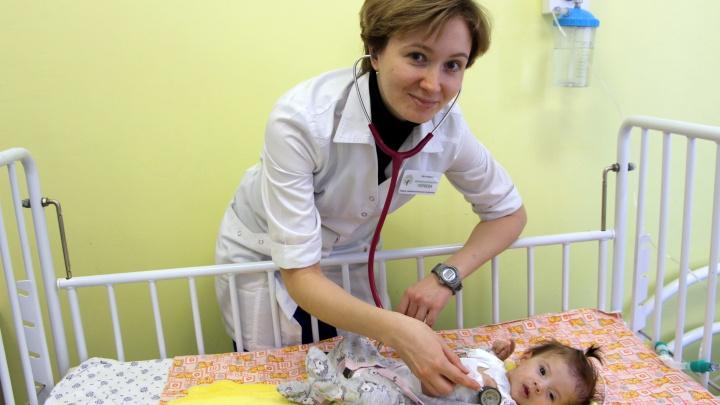 Вытащили с того света: свердловские кардиохирурги спасли младенца с редким пороком сердца