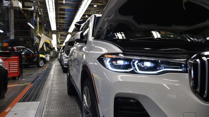 BMW показала новый X7 на конвейере