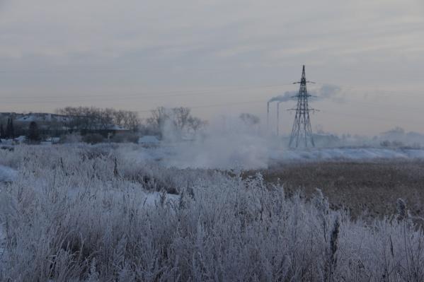 Возгорания заметны на берегу озера Курочкино