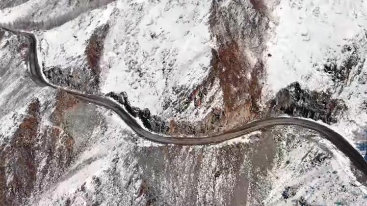 Видео: новосибирец снял Горный Алтай с высоты птичьего полёта