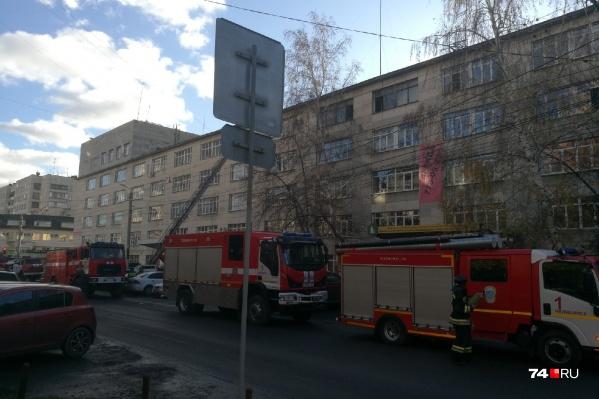 Возгорание произошло на пятом этаже здания