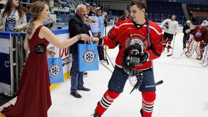 В Новосибирске отобрали 30 болельщиков для хоккейного реалити-шоу