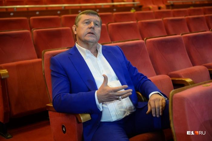 Александр Новиков — автор песен про воров в законе и руководитель театра