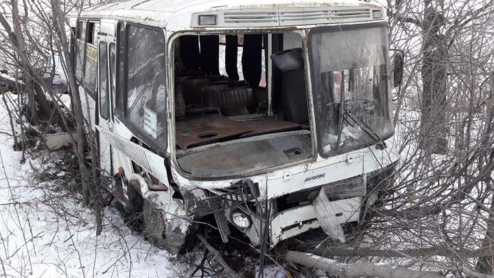 Дама на «Ниссане» спровоцировала ДТП с пассажирским автобусом