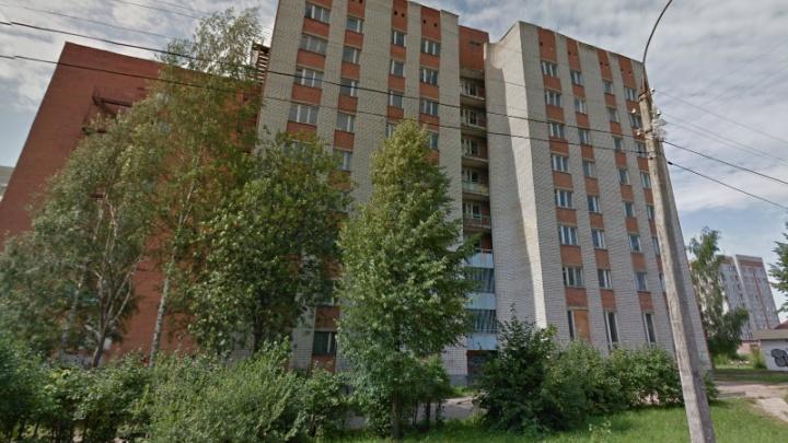 Директор общежития ярославской сельхозакадемии три года подселял к студентам нелегалов