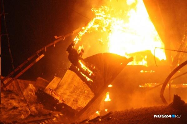 Пожар произошел глубокой ночью