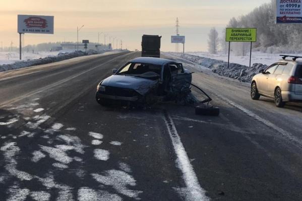 Водителя и пассажира Volkswagen госпитализировали