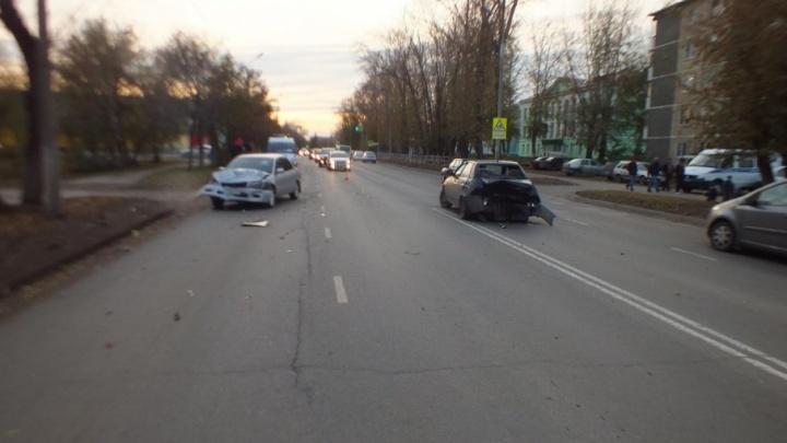 В Кургане по вине пьяной автоледи пострадали два человека