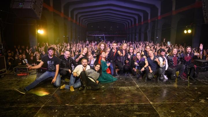В Ростове прошел завораживающий концерт группы «Эпидемия»: лучшие фото от 161.RU