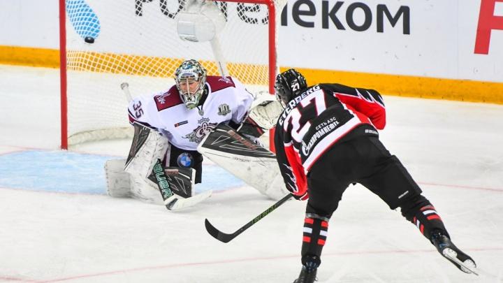 «Авангард» выиграл у рижского «Динамо» первый матч сезона