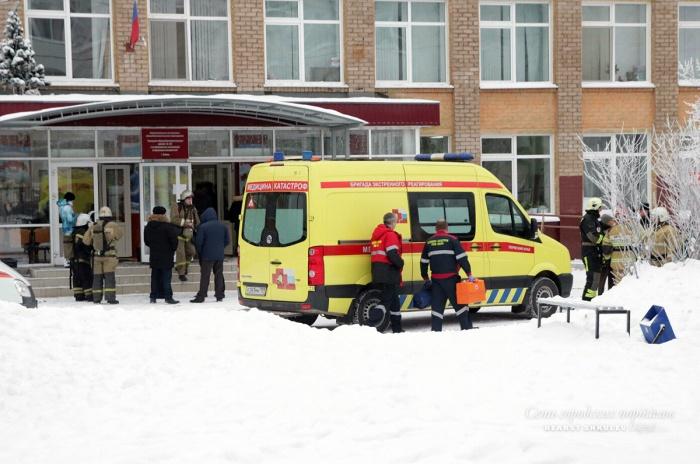 На место происшествия выехали 8 бригад скорой помощи