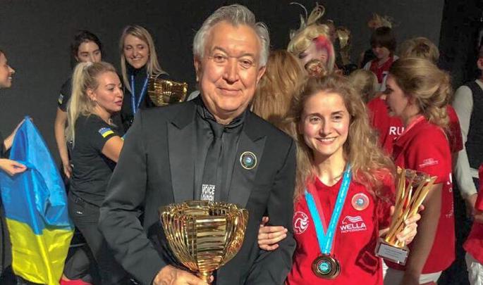 Легендарный парикмахер Владимир Гарус вместе со своими учениками победил на чемпионате мира