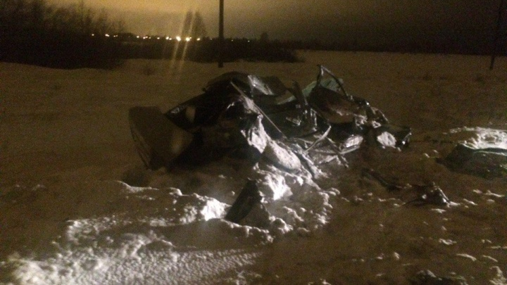 В аварии у остановки «Завод пластмасс» расплющило «Тойоту»