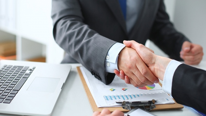«УРАЛСИБ» вошел в список банков, выдающих гарантии по госконтрактам