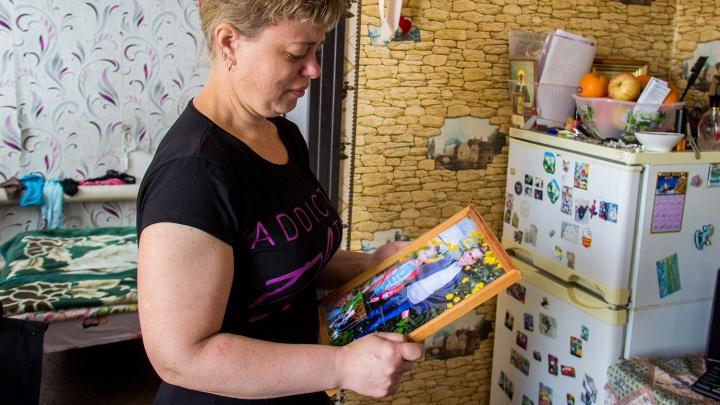Мать отсудила у коммунальщиков 3 миллиона за гибель двух сыновей в яме с водой