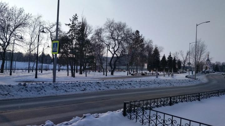 После благоустройства на Бударина пешеходный переход оказался за забором
