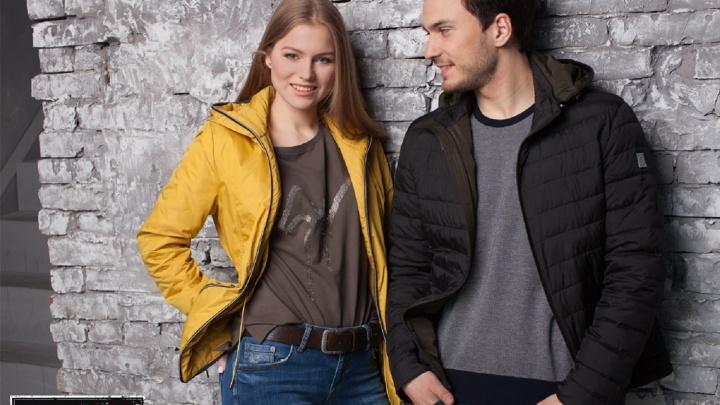 Весна уже близко: новосибирцы поднимают настроение весенними куртками за полцены