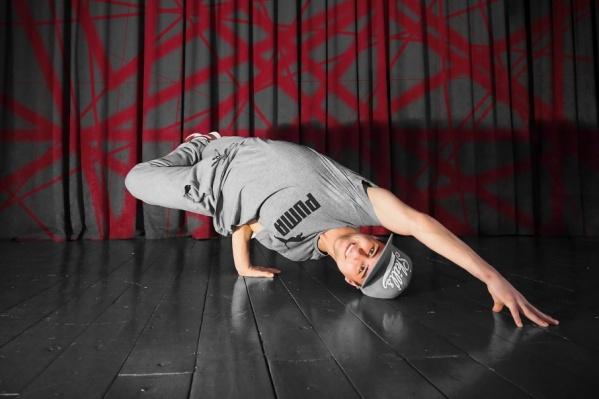 Тагир участвует в шоу во второй раз и надеется попасть в число 20 лучших танцоров