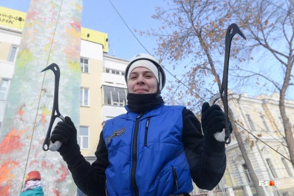 Вот такими ледовыми инструментами вооружались участники соревнований