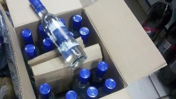 Курганские оперативники изъяли более 100 тысяч бутылок контрафактного алкоголя