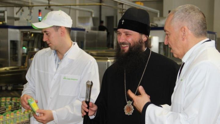 Митрополит Феодор познакомился с производством постной продукциив «Садах Придонья»