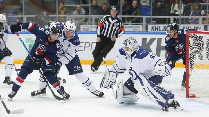 ХК «Торпедо» проиграл московскому «Динамо» в напряжённом матче