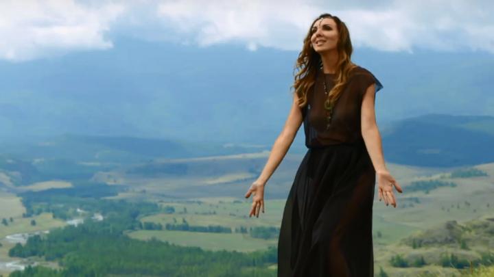 «Расправь свои крылья»: новосибирец снял клип о магическом путешествии на Алтай