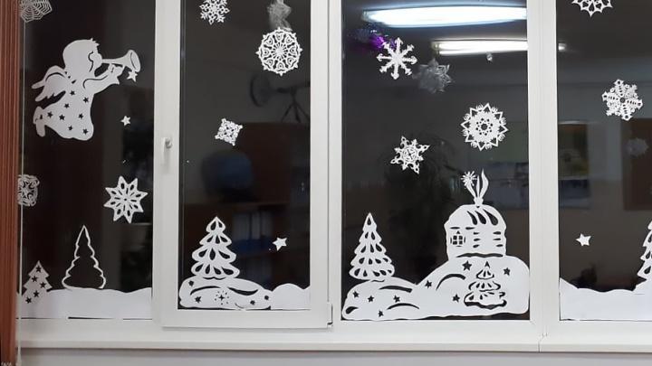 В Новосибирске выбрали самые залайканные фото новогодних окон