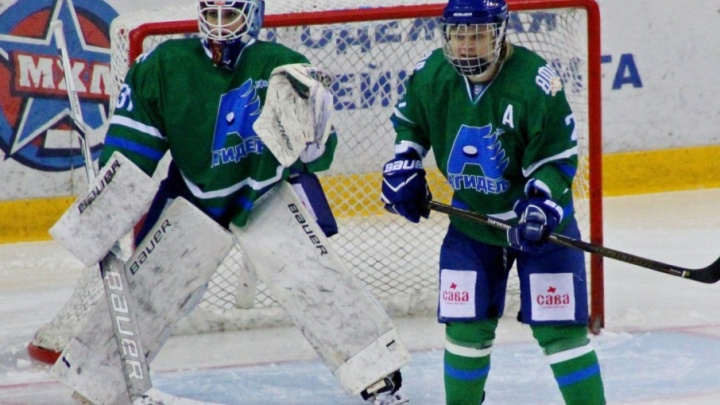 Парад мокрых маек: хоккеистка уфимской «Агидели» снялась для календаря ЖХЛ