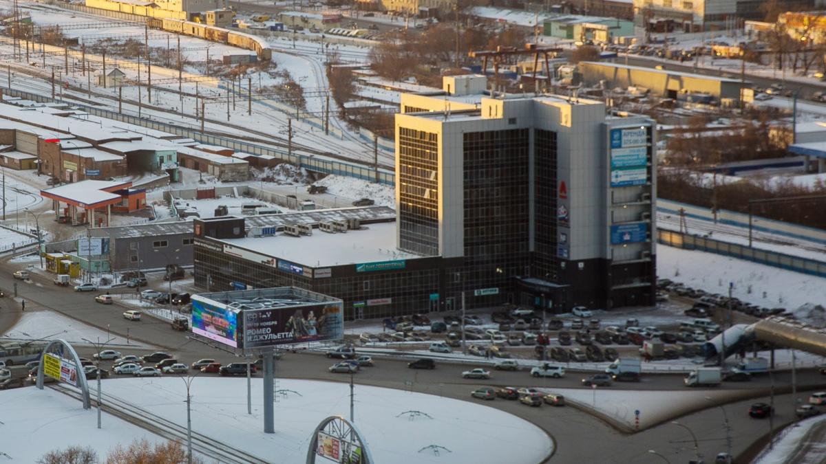 Новый филиалмногофункционального центра откроют в Кировском районе (на фото МФЦ на площади Труда. —  Прим. ред. )