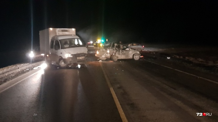 На трассе Тюмень — Ханты-Мансийск водитель Hyundai сбил насмерть мужчину, стоявшего на обочине