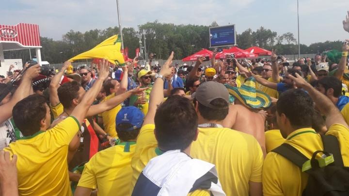 «Бразильцы съели суточную партию пельменей»: болельщики поставили гастрономические рекорды в Самаре