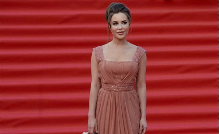 Юлия Михалкова пообещала подарить пять платьев, разыграв их вInstagram