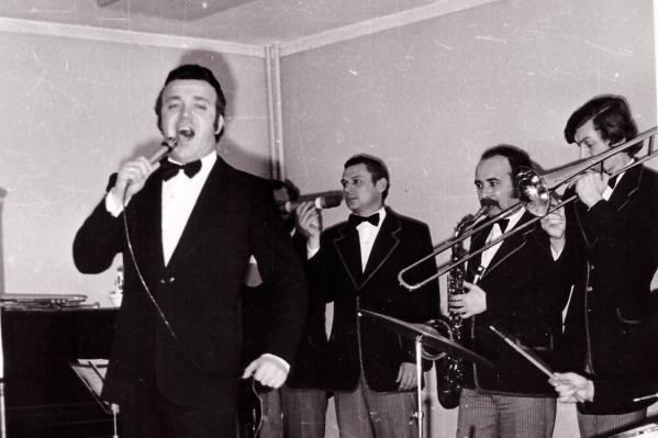 Впервые в Кургане Иосиф Кобзон побывал в 1969 году, он выступил в Городской больнице №2 23 марта