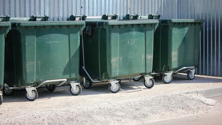 «Будет всего два контейнера»: в Челябинске к следующему году введут раздельный сбор мусора