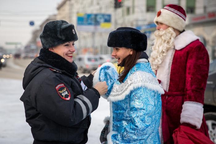 Сотни полицейских будут дежурить в общественных местах до конца новогодних праздников