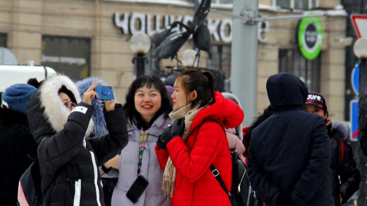 Заработать на китайцах: за год в Новосибирске побывали 40 тысяч жителей КНР — кому это выгодно