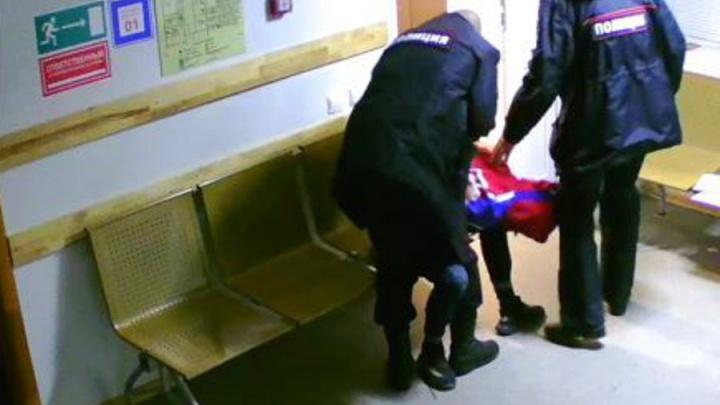 В Прикамье бывший полицейский осужден за избиение подростка